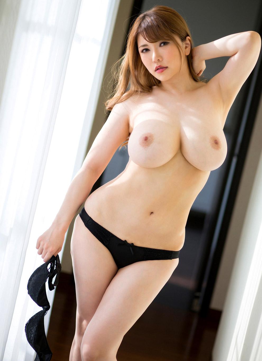 Anri Okita Hot Pictures