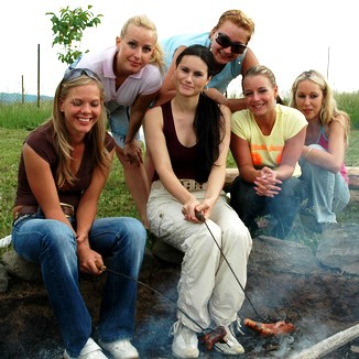 Barbeque Camgirls