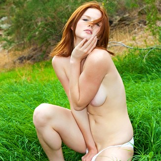 Sweet Nature Nudes Babe